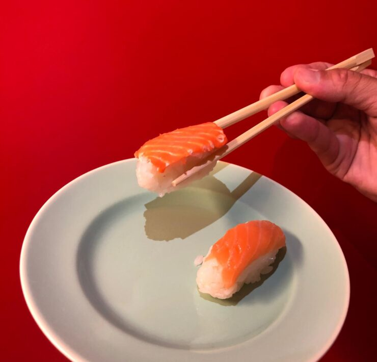 Sushi with 3D-printed vegan salmon and sushi sticks